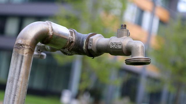 古い水道管