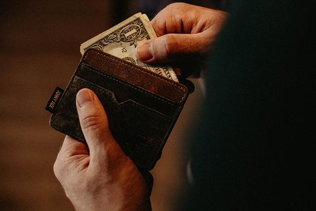 解約金やメンテナンス料金が無料のウォータサーバーを選ぶ